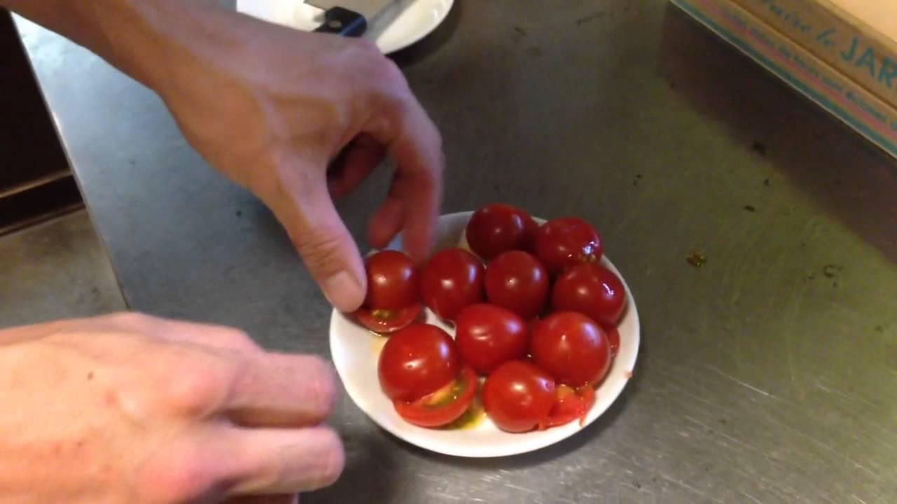 【ライフハック】プチトマトをまとめて切る方法【暮らしの役立ち情報】