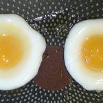 【生活の知恵】えっ!そんなことが出来るの!?1個の卵を使って目玉焼きを2個作る方法